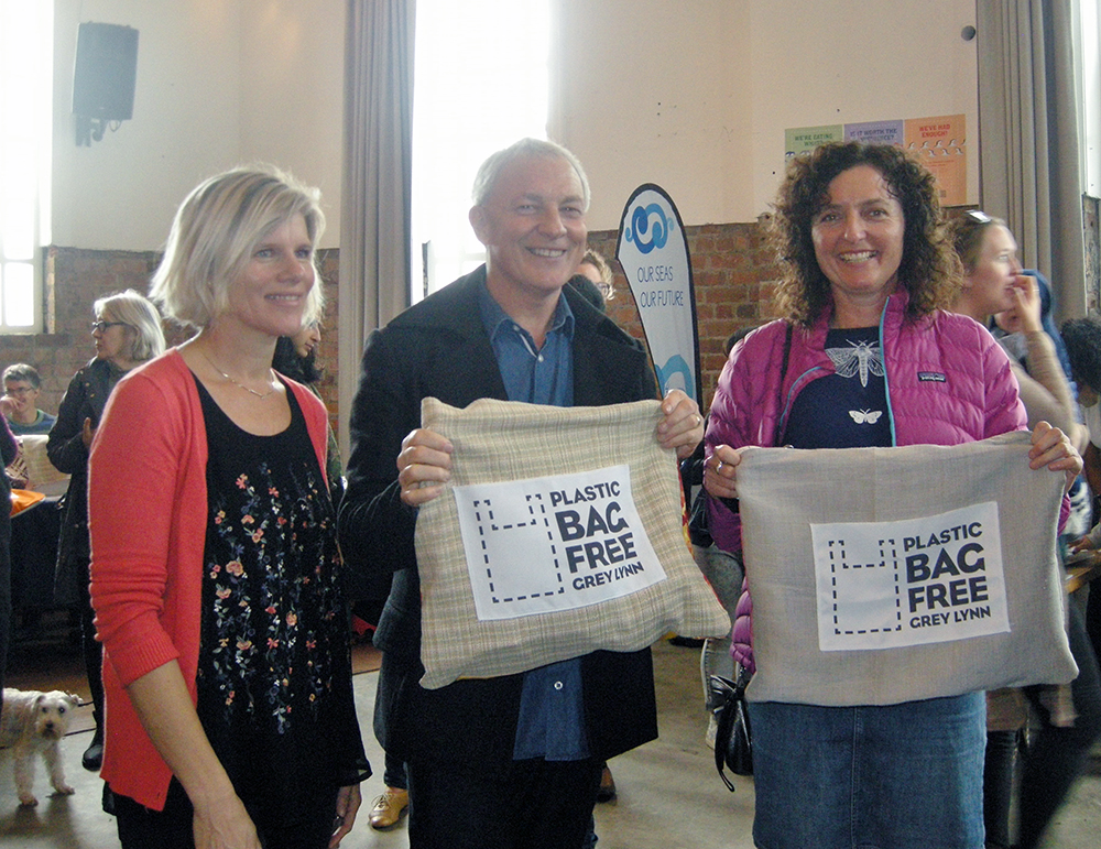 Plastic Bag Free - Phil Goff
